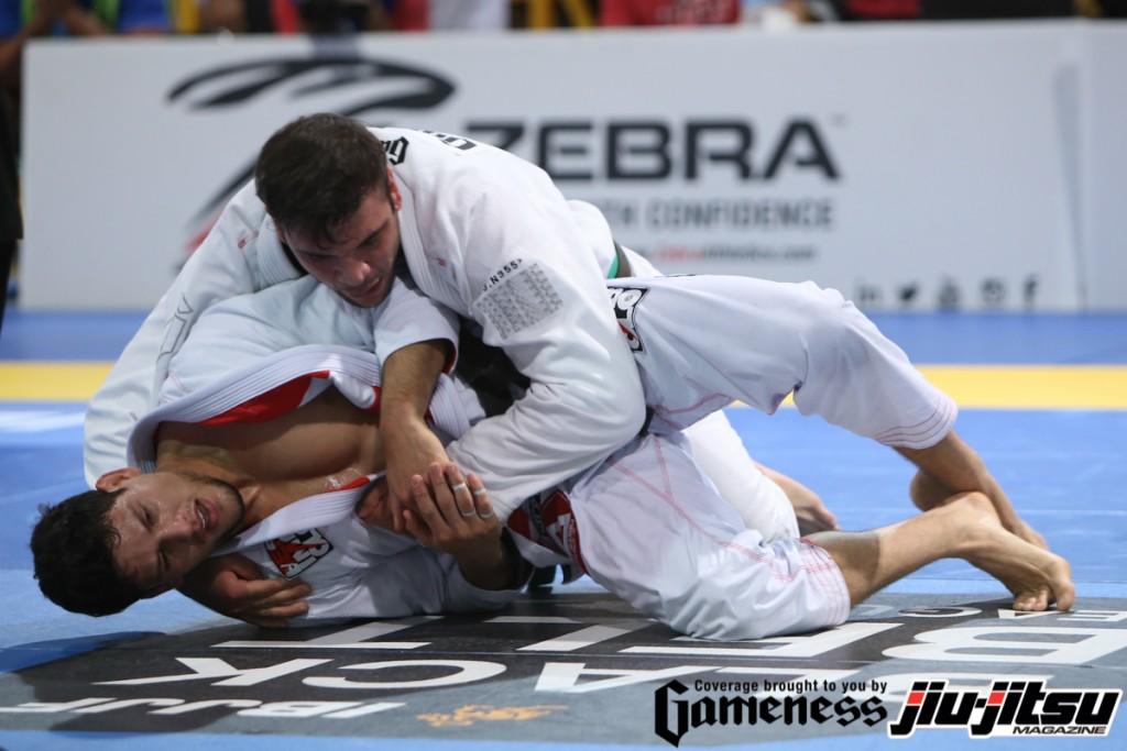 João Gabriel vs. Felipe Pena